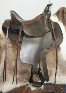 ReactorPanel Western, Under Cut Swell Fork, Centre Fire Rigged ,Barrel Racer made in Dark Brown Leather.